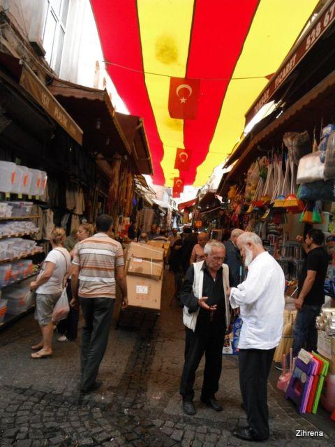 Istanbul street markets