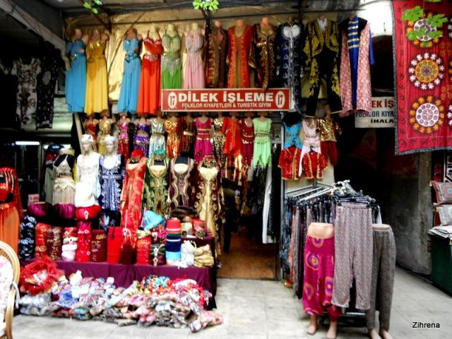 Bellydance outfits and clothing