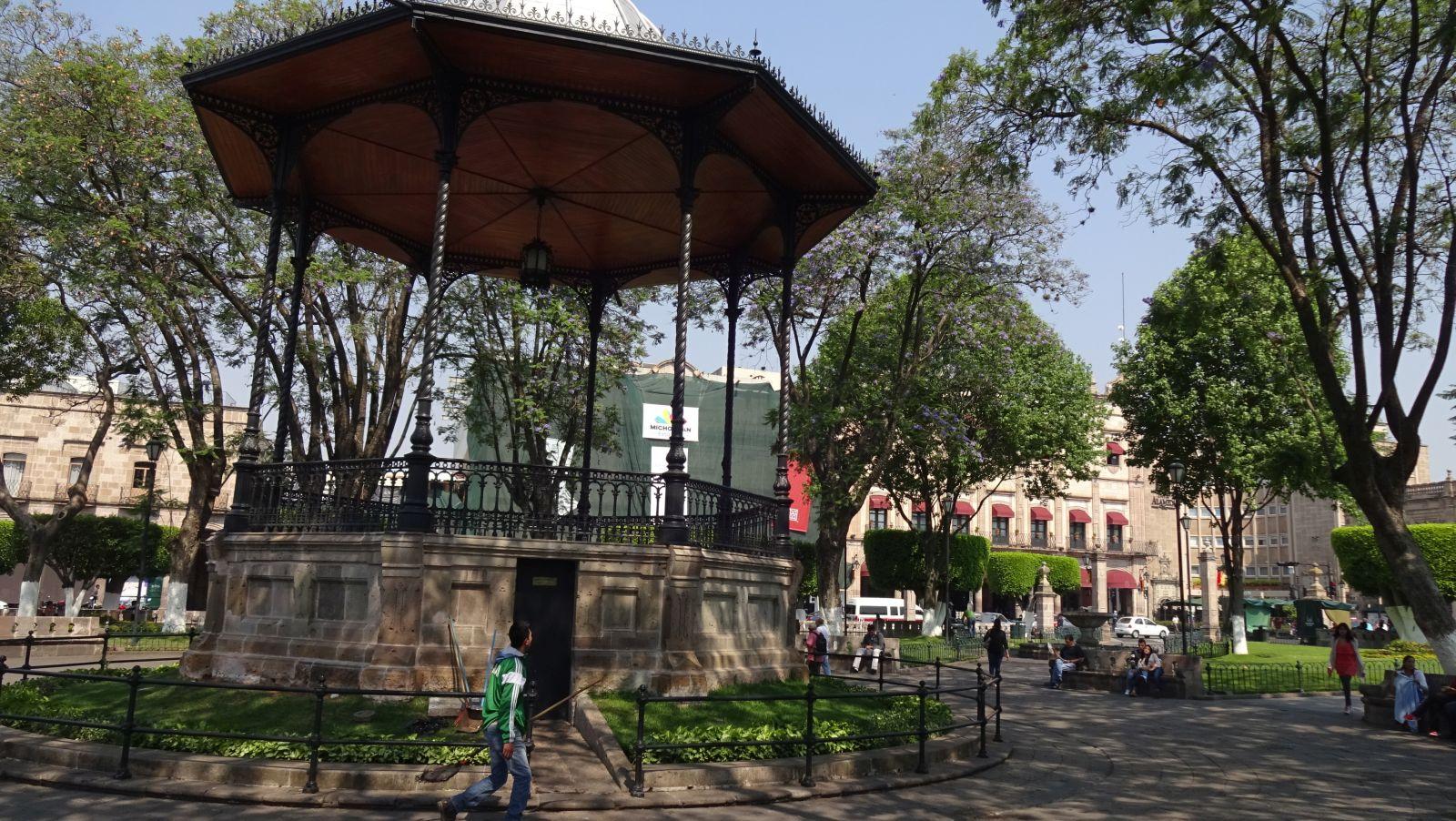 Morelia michoacan historic center zihrena 39 s garden - Garden center valladolid ...